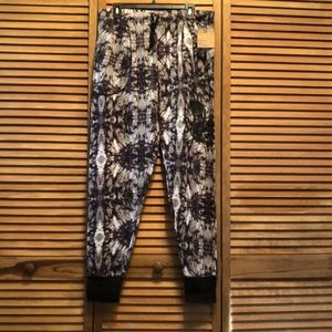 "Men's Set of 2 ""the bottom line"" jogger pants"